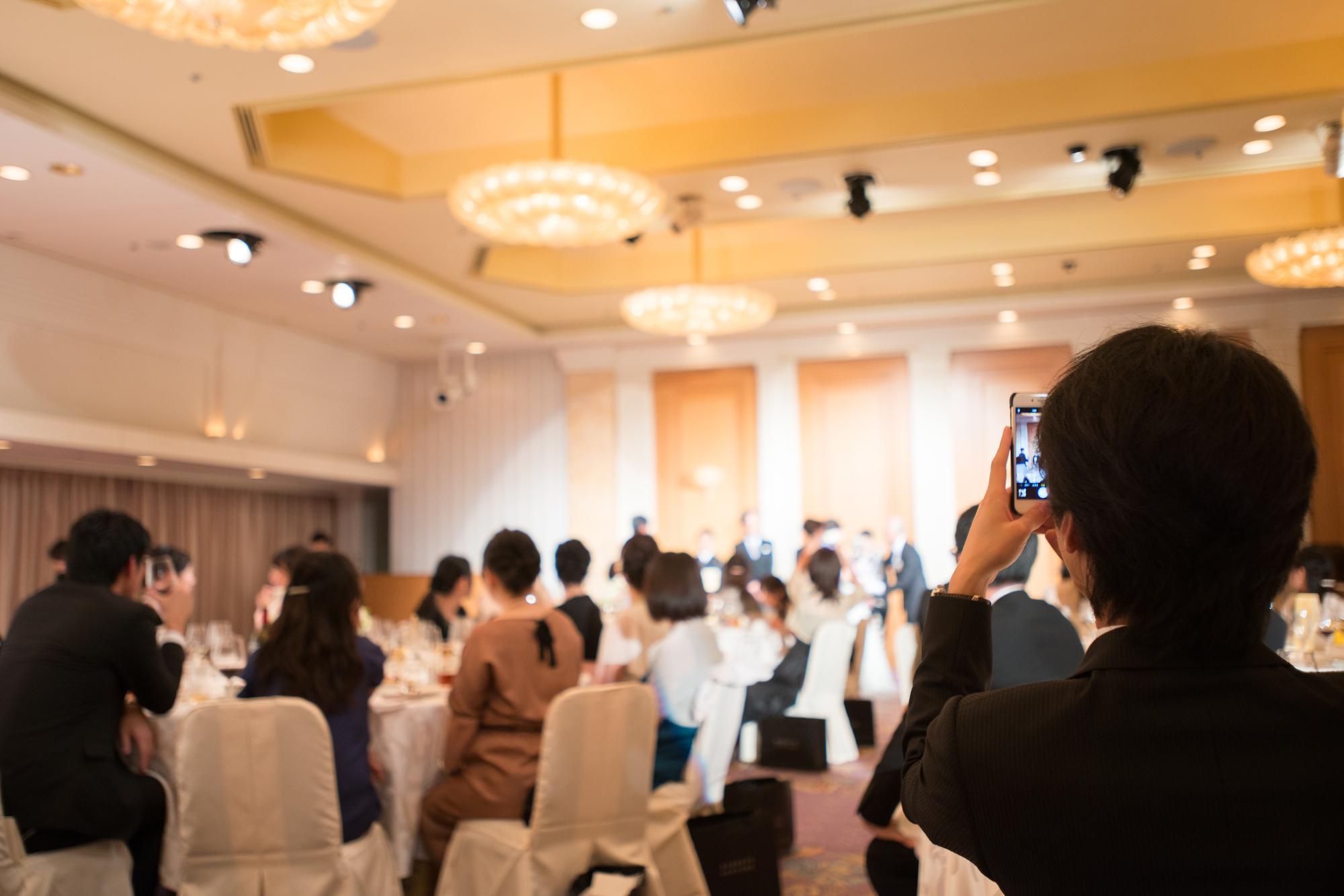 【コスパ◎】カラオケ・ダンスを結婚式余興・出し物のために練習できる場所