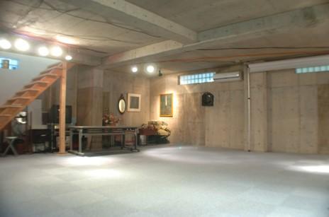 【西荻窪】吹き抜け、屋上のある豪邸を貸切!撮影だけでなくパーティー利用もOK♪「スタジオカサブランカ」