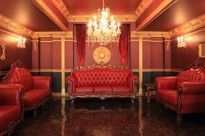 ゴージャスで可愛い!パーティーもOKな洋館スタジオ「Gallery-O4 Le palais(ル・パレ)」