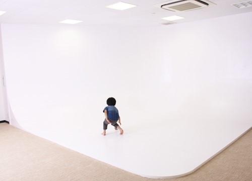 至れり尽くせりの白ホリスタジオを格安料金でレンタル!「Gallery-O3」