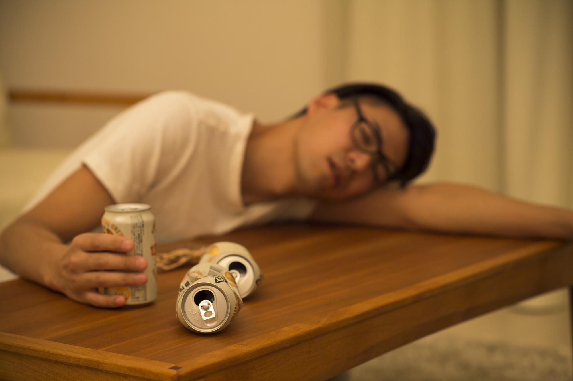 宅飲みのメリット・デメリットと楽しい時間を過ごすコツ