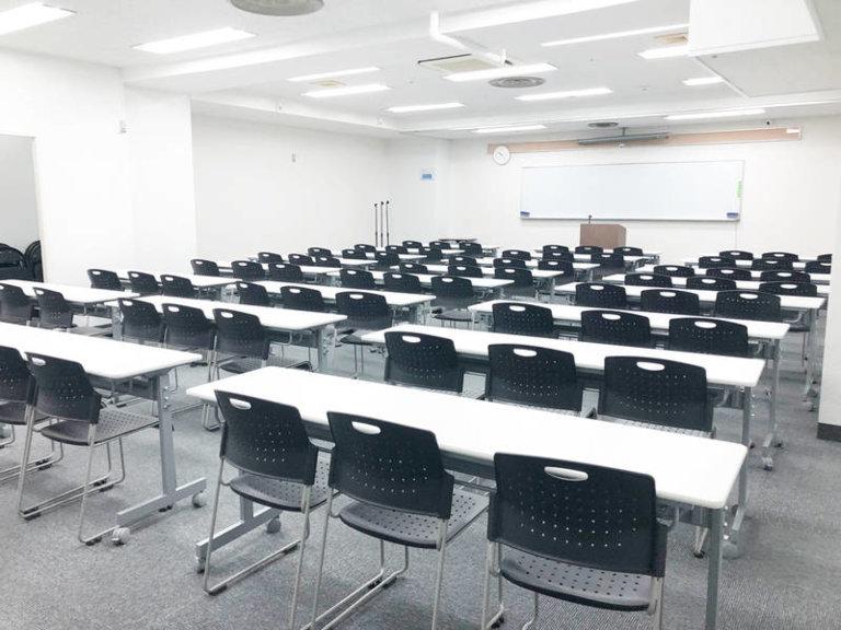 大阪 梅田 東梅田 駅近 徒歩6分 80名収容格安レンタルスペース貸会議室